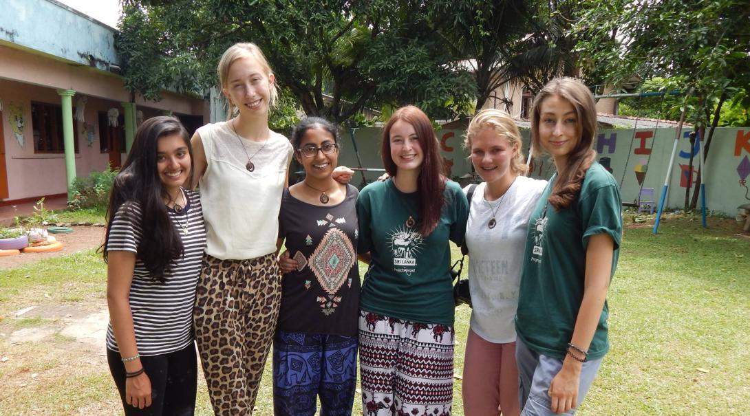 Volunteers on the Alternative Schoolies in Sri Lanka